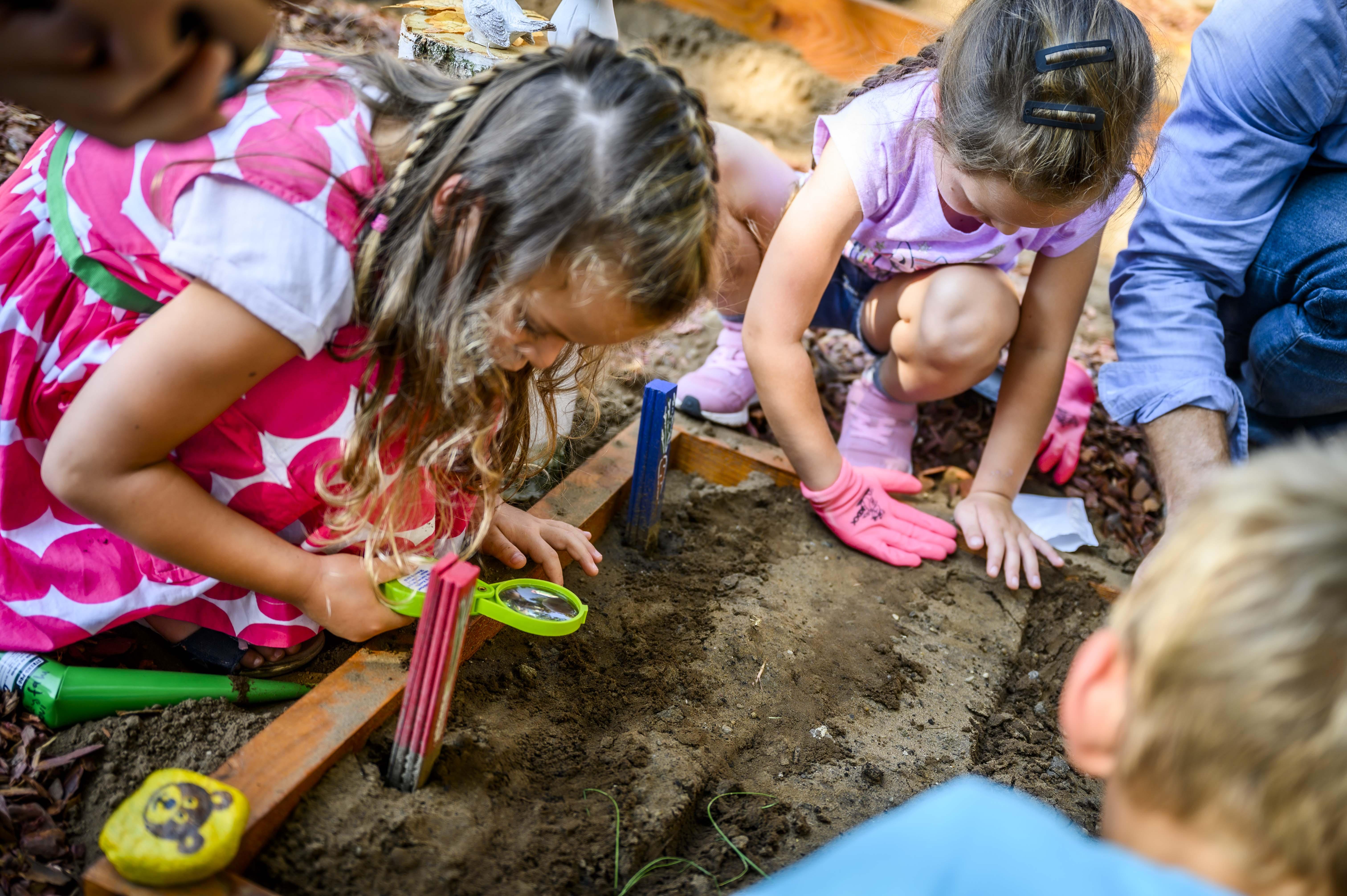 Iskolakertet-adtak-at-Leanyfalun-Nag-Istvan-agrarminiszter-1