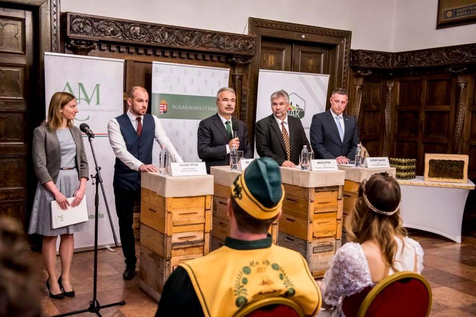 Magyar méz kampány OMME AMC - dr. Nagy István agrárminiszter