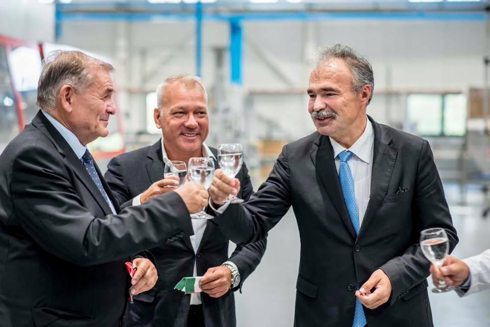 Szentkirályi-Kékkúti Ásványvíz Kft. szentkirályi beruházásának ünnepélyes átadása - Nagy István miniszter