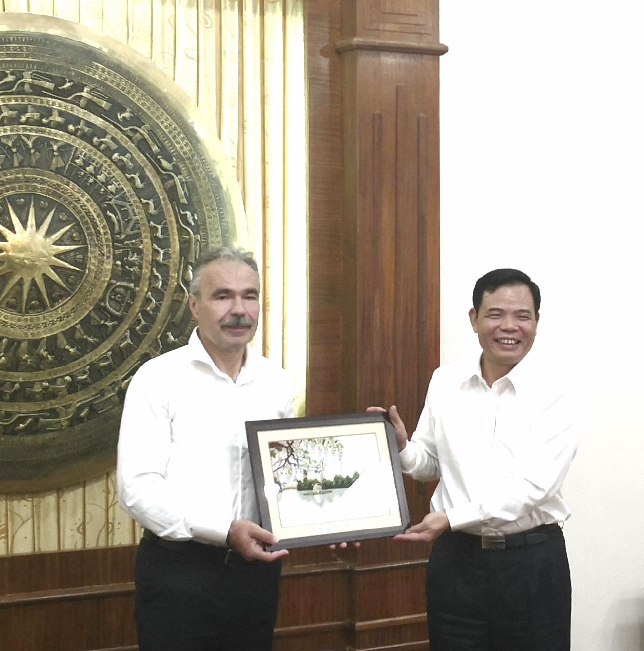 Szorosabb agrárdiplomácia Magyarország és Vietnam között - Nagy István agrárminiszter Vietnamban